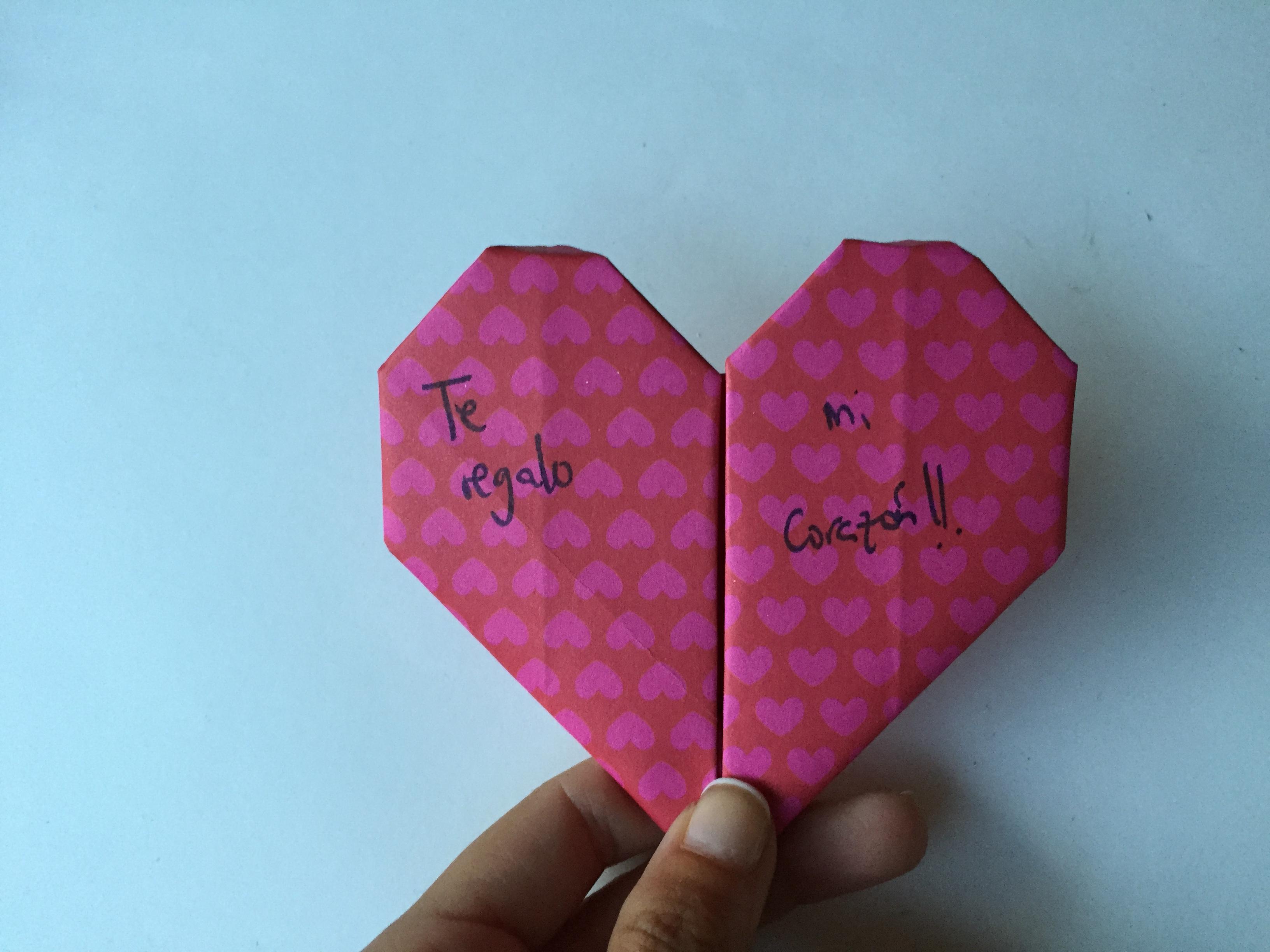 Como hacer un coraz n de papel clarimanitas - Como hacer un corazon con fotos ...
