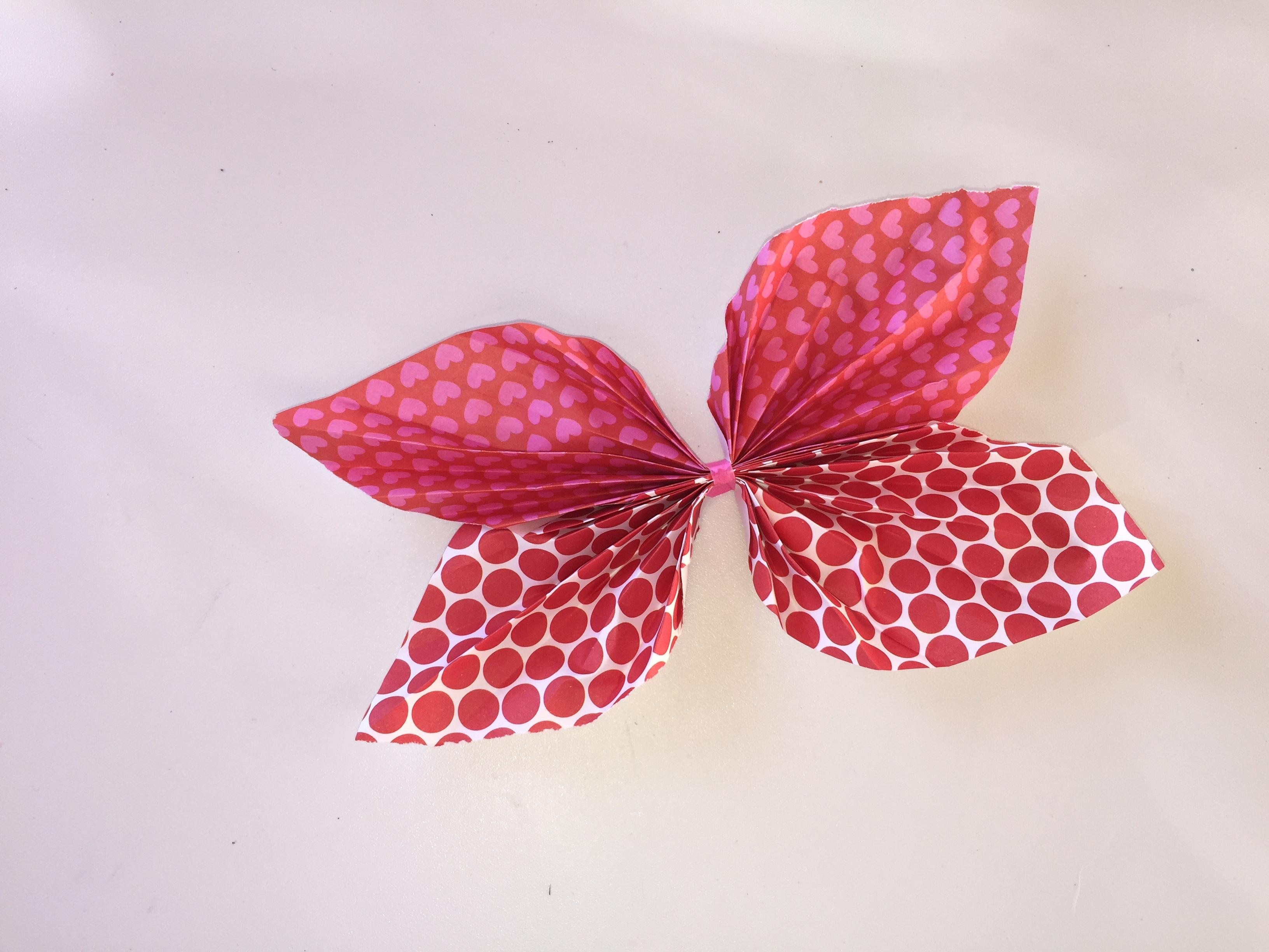 Mariposas para decorar clarimanitas - Como hacer mariposas de papel para decorar paredes ...