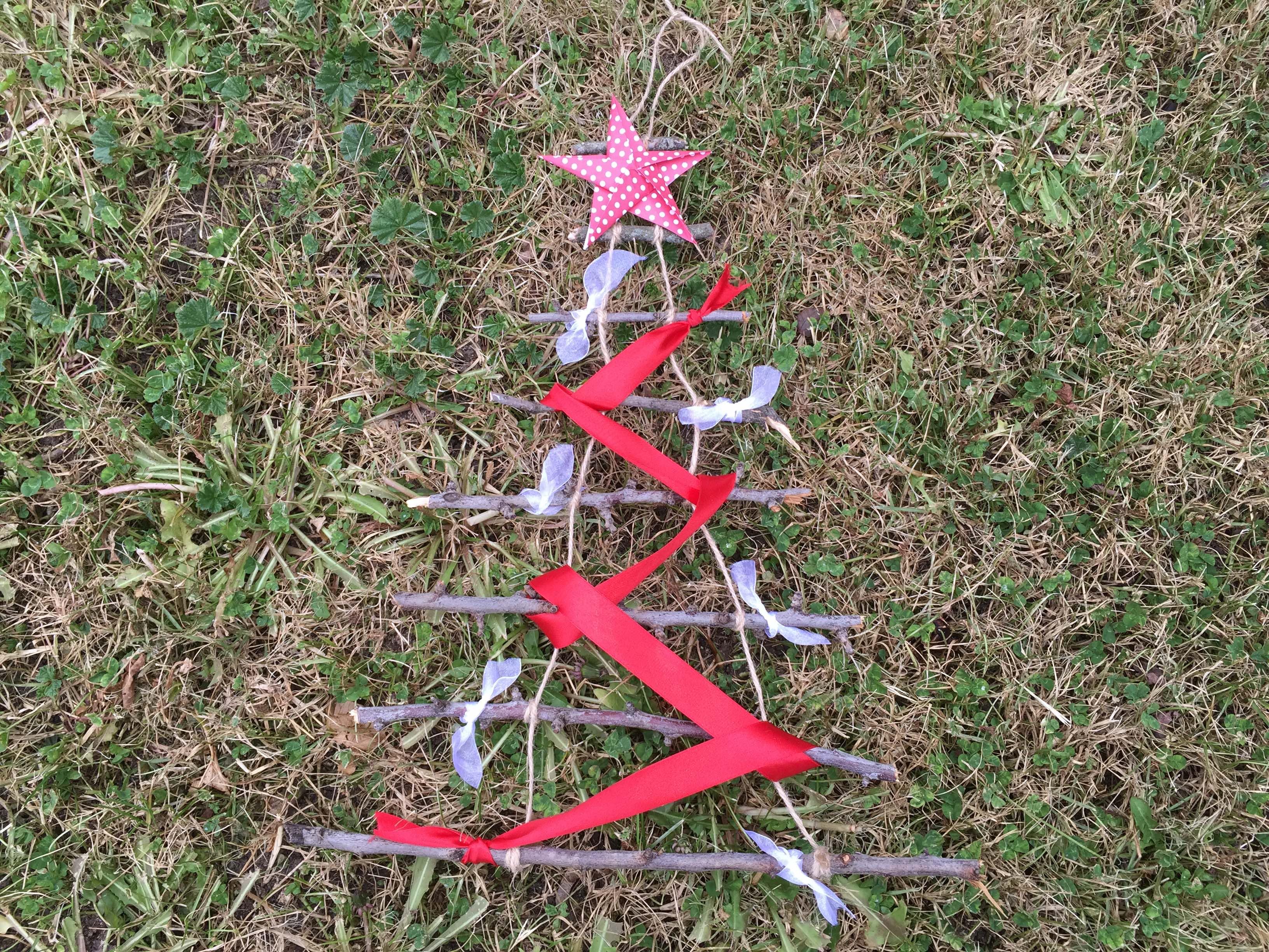 Arboles de navidad originales clarimanitas for Como hacer un arbol de navidad original
